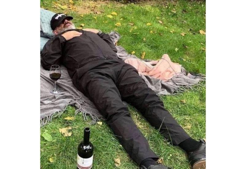 Пашинян напился и пытался покончить с собой в резиденции