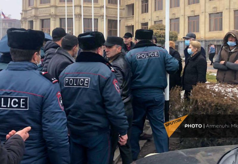 """""""Никол Пашинян не в силах решить наши проблемы!"""""""