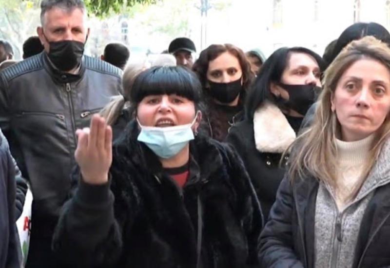 Разъярённые родители солдат избили армянского генерала