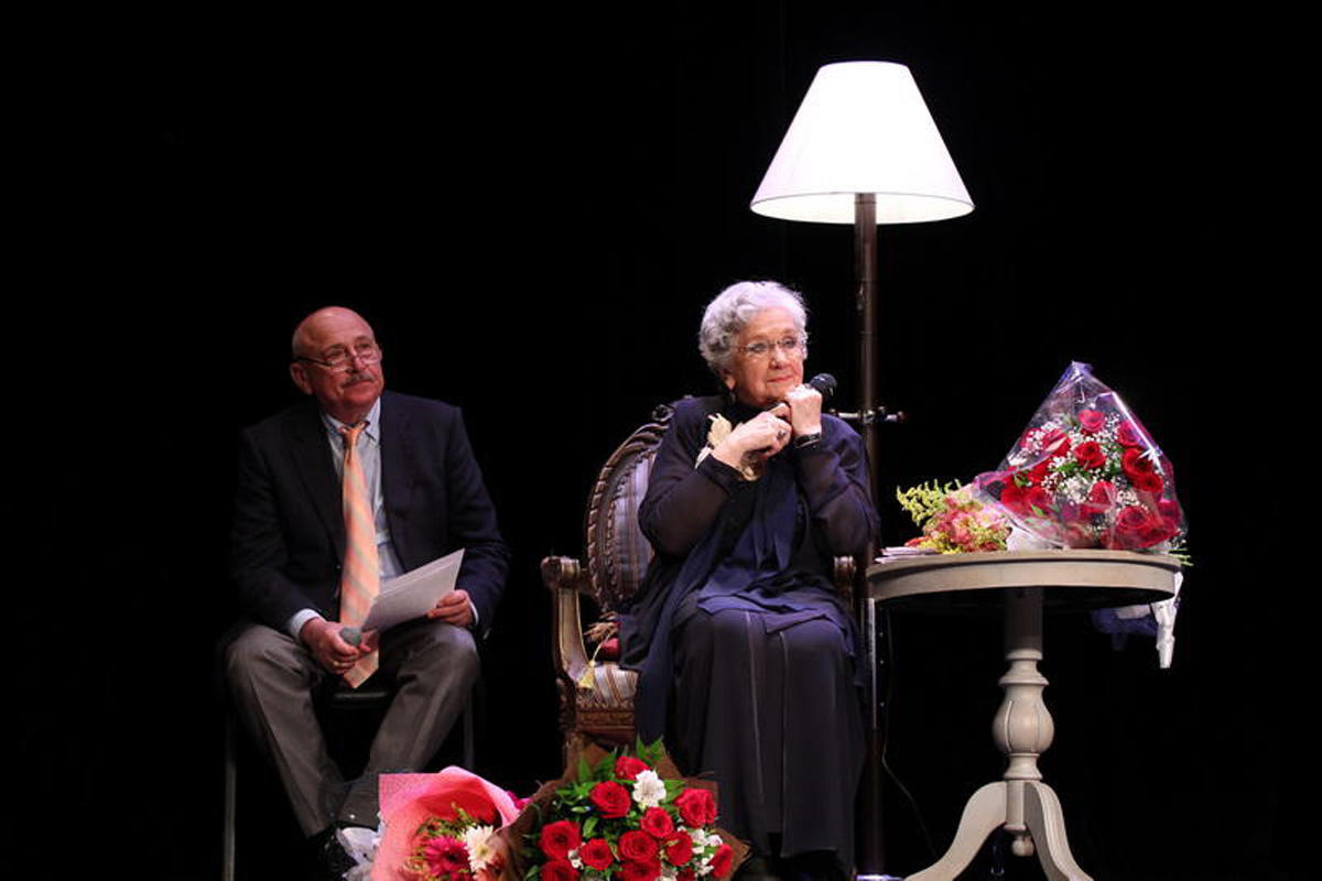 Блистательная Дина Тумаркина о родном театре в Баку