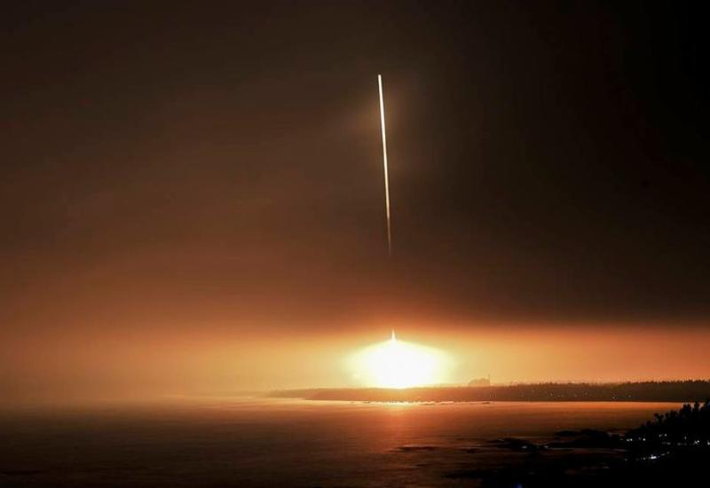 Китай осуществил первый запуск новейшей ракеты-носителя CZ-8 с пятью спутниками на борту