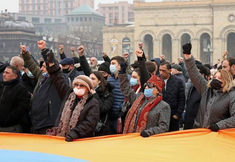 Самвел Акопян ушел в отставку