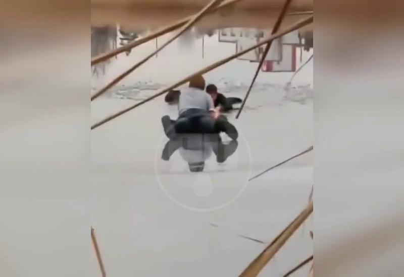 18-летний студент спас провалившегося под лед ребенка