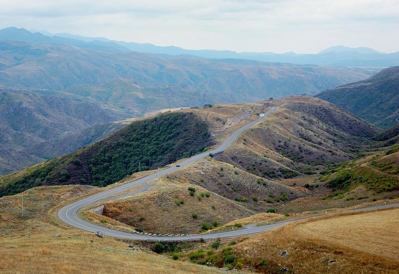 Армянам Карабаха пора избавляться от азербайджанофобии