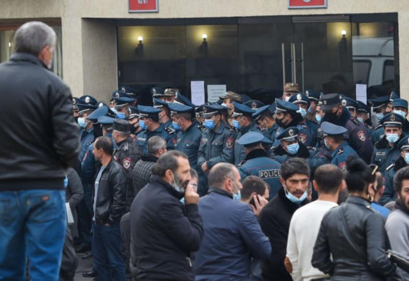 Родители пропавших армянских солдат снова протестуют
