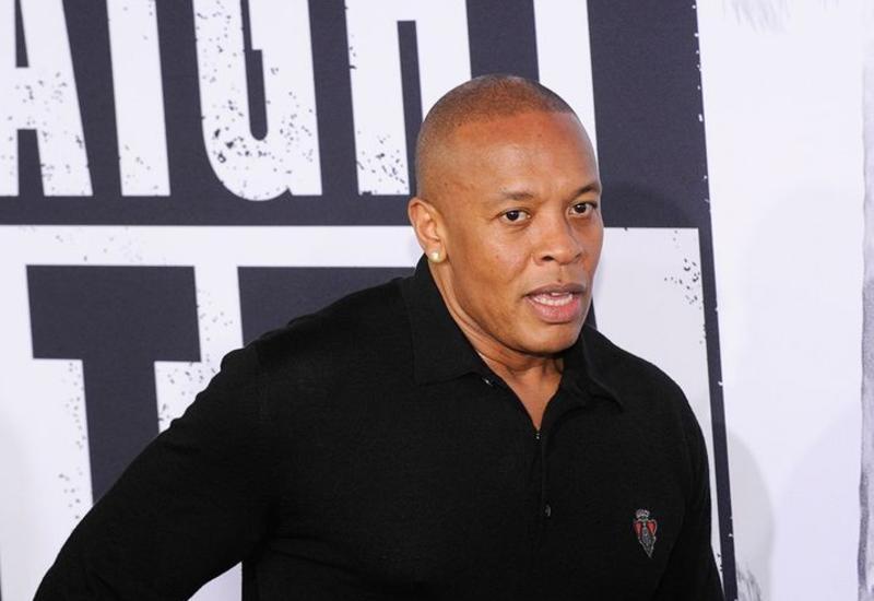 Рэпер Dr. Dre попал в реанимацию