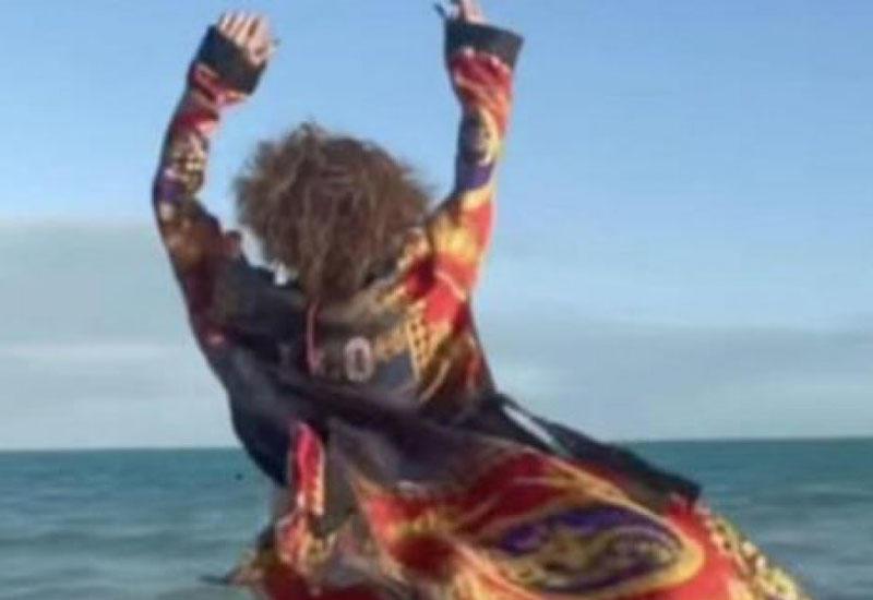 Ни одного лишнего килограмма: Дженнифер Лопес на пляже