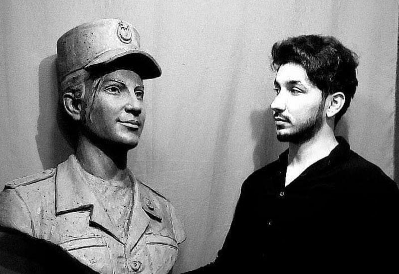 Молодой скульптор увековечил память о единственной женщине-шехиде
