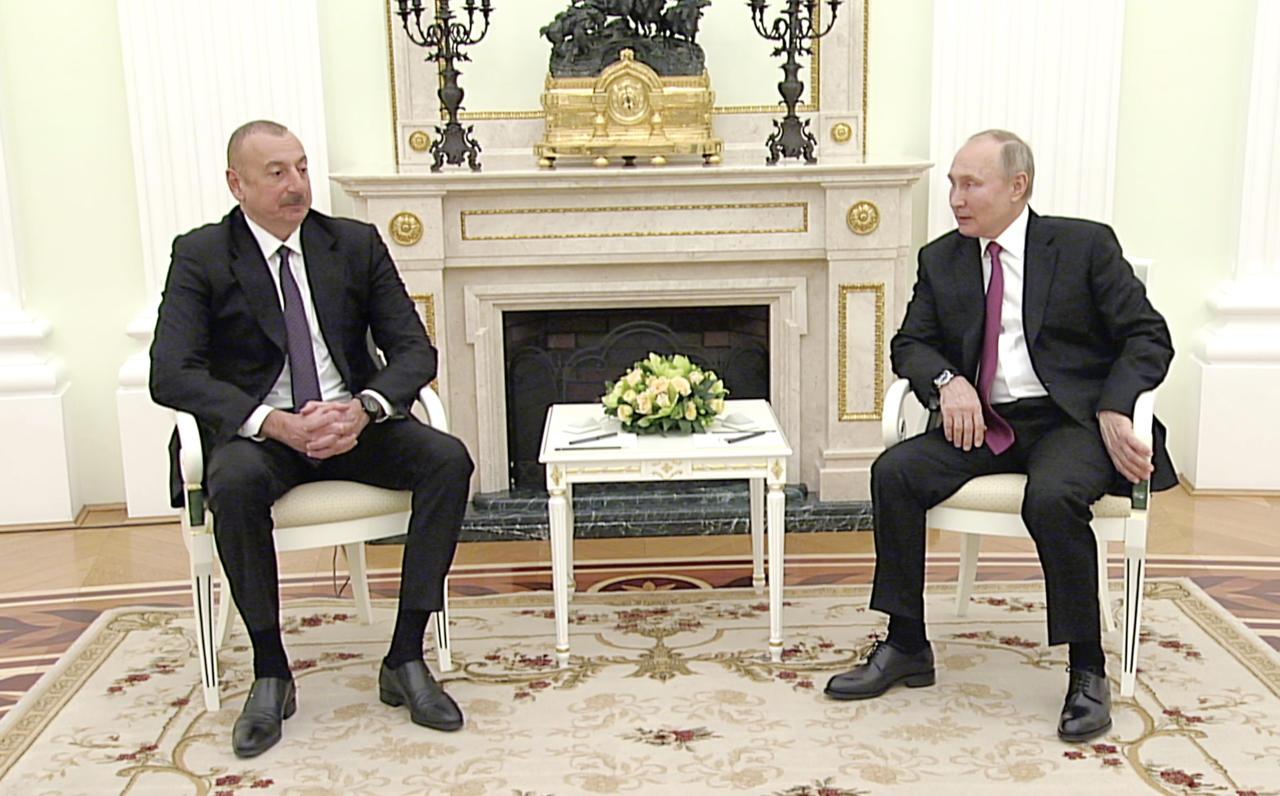 Состоялась двусторонняя встреча Президента Ильхама Алиева и Владимира Путина
