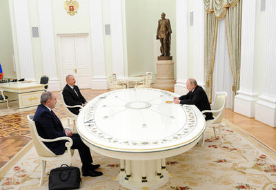 Президенты Азербайджана, России и премьер-министр Армении подписали совместное заявление  - ФОТО