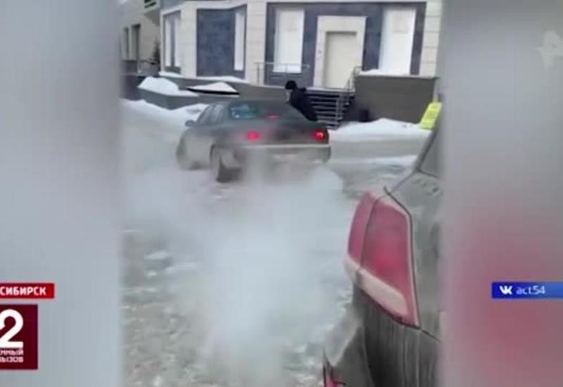 В России охранника супермаркета прокатили на капоте автомобиля