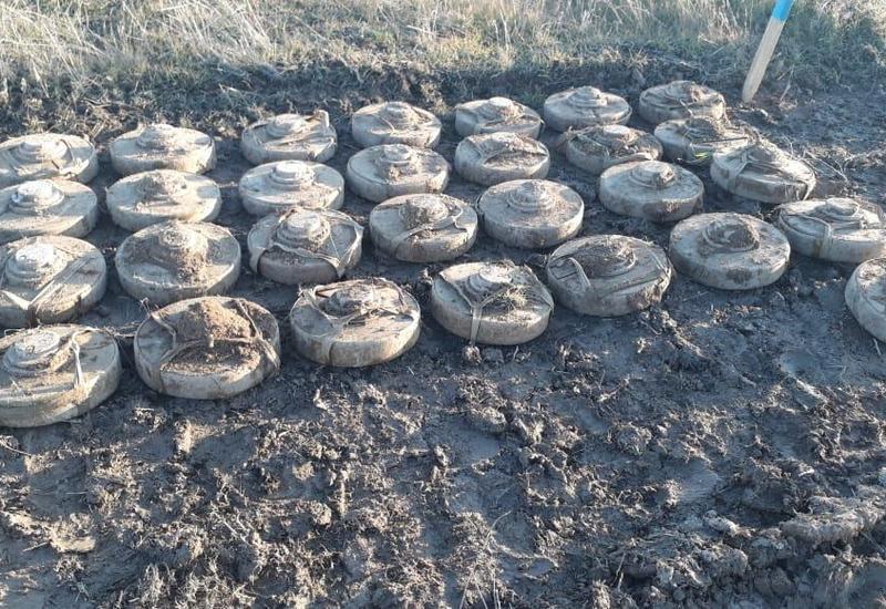 Российские пиротехники обезвредили в Агдаме около 65 взрывоопасных предметов