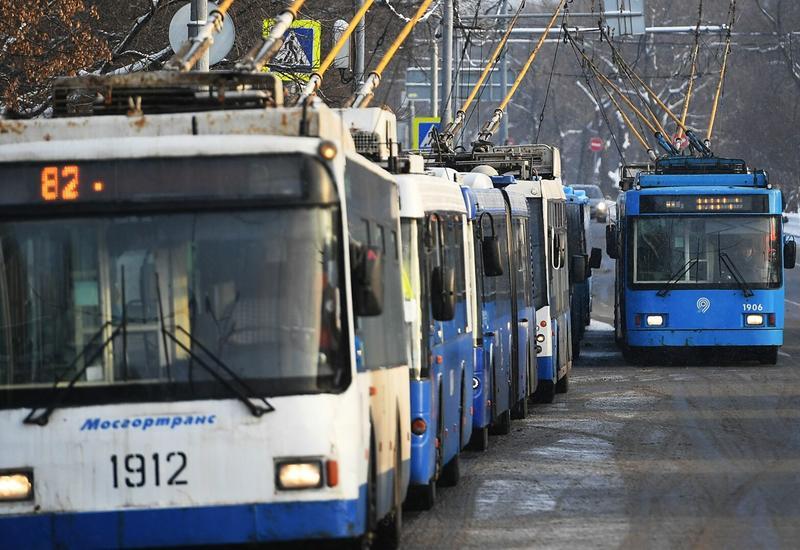 Пожар произошел в троллейбусном парке в Москве
