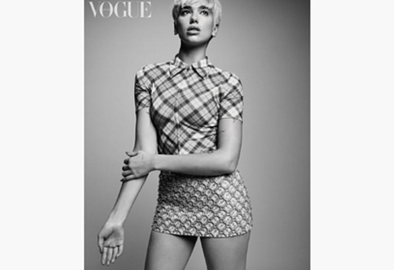 Дуа Липа снялась для обложки Vogue в стиле 60-х