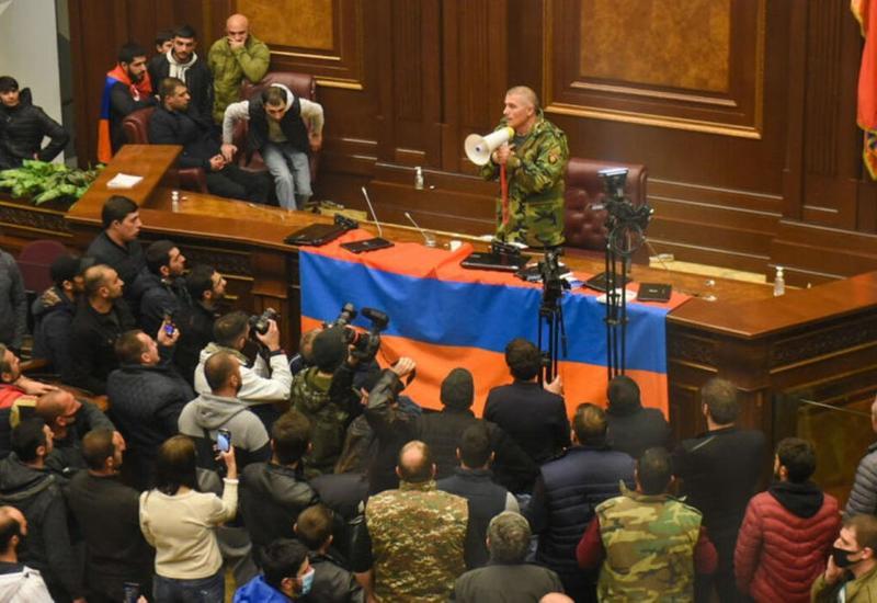 Нестабильная ситуация в Армении создает сложности для России