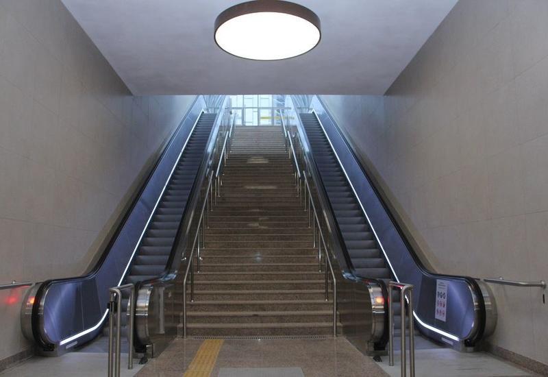 "На станции ""8 Ноября"" установлено 17 эскалаторов и 3 лифта"