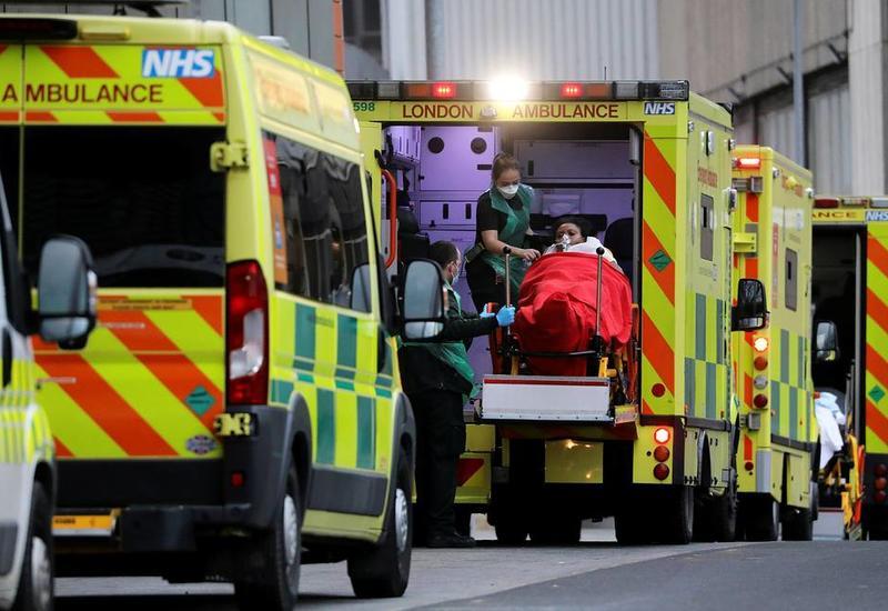 В Великобритании из-за коронавируса впервые умерли более 1,5 тыс. человек за сутки