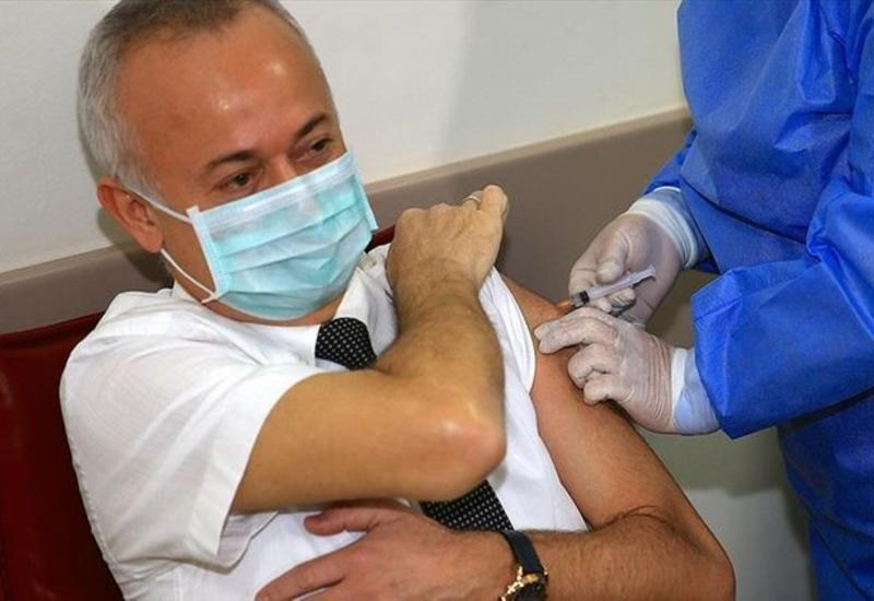 В Турции началась массовая вакцинация против коронавируса