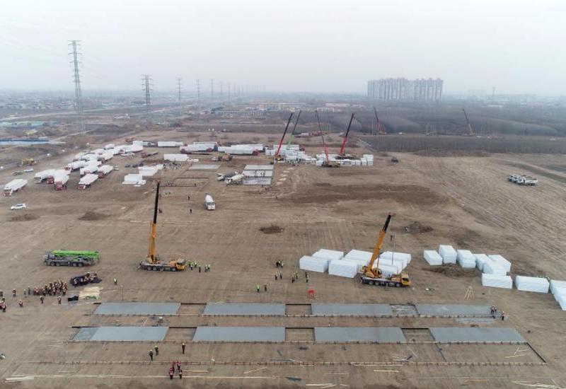В провинции Хэбэй началось строительство обсервационного лагеря после вспышки эпидемии COVID-19