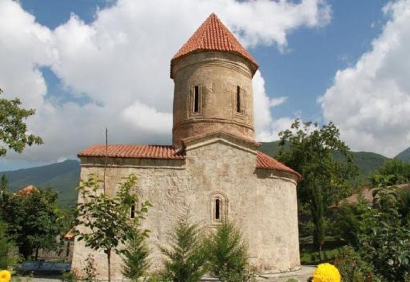İşğal altında olan 128 alban məbədi saxta yolla erməni qriqoryan kilsəsinə çevrilib
