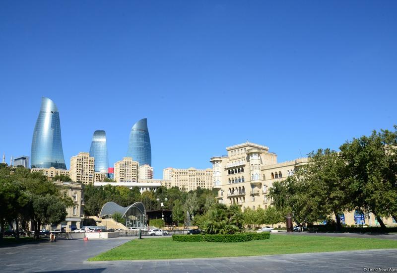 Число прибывших в Азербайджан в прошлом году резко снизилось