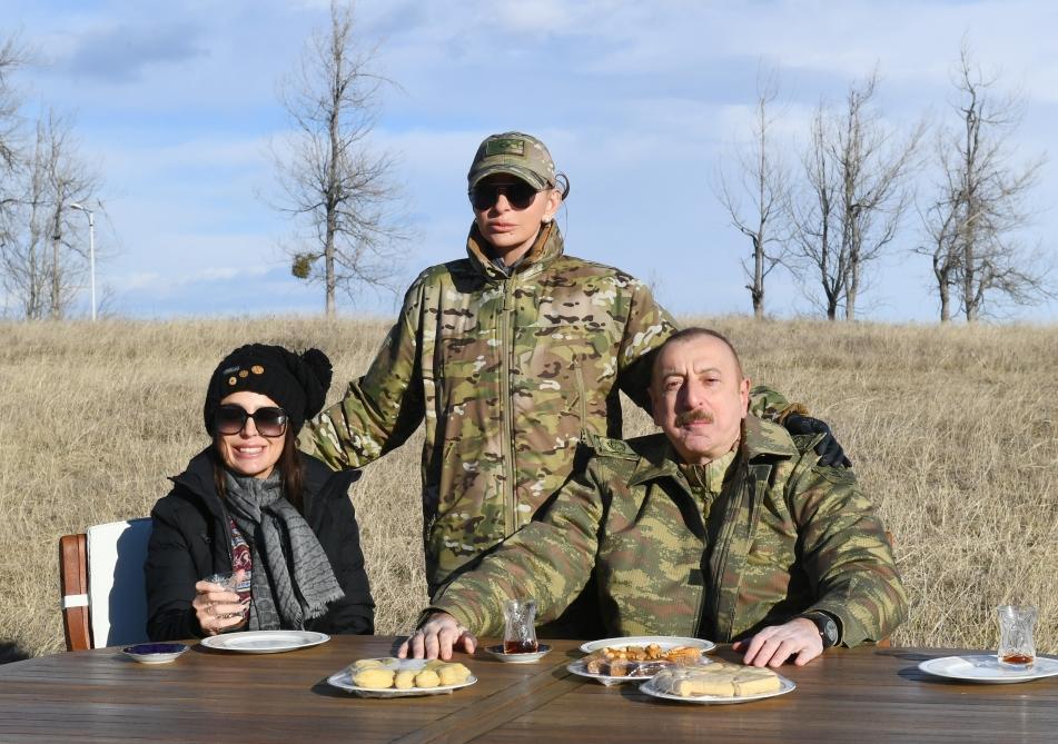 Президент Ильхам Алиев заложил фундамент дороги Физули-Шуша, аэропорта в Физулинском районе, а также посетил Шушу