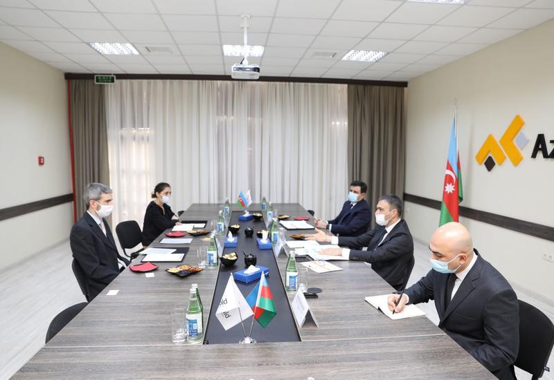 """Обсуждены перспективы сотрудничества между ЗАО """"AzerGold"""" и компаниями Великобритании"""