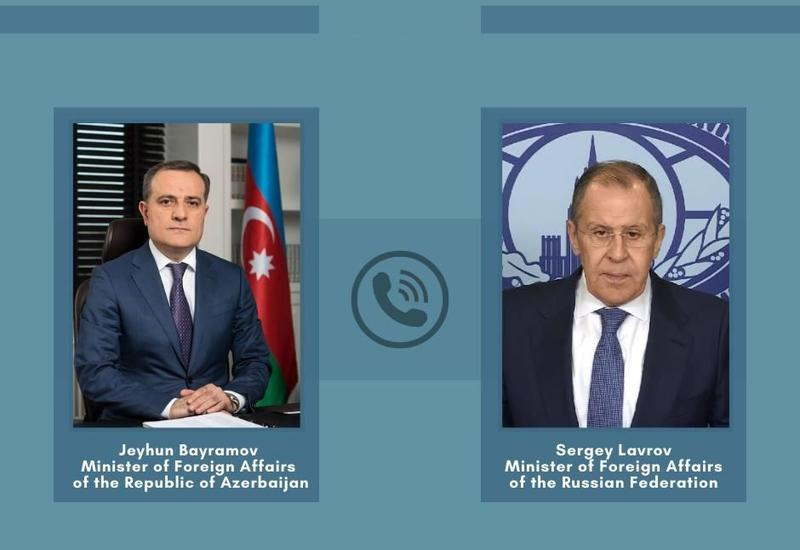 Состоялся телефонный разговор между Джейхуном Байрамовым и Сергеем Лавровым