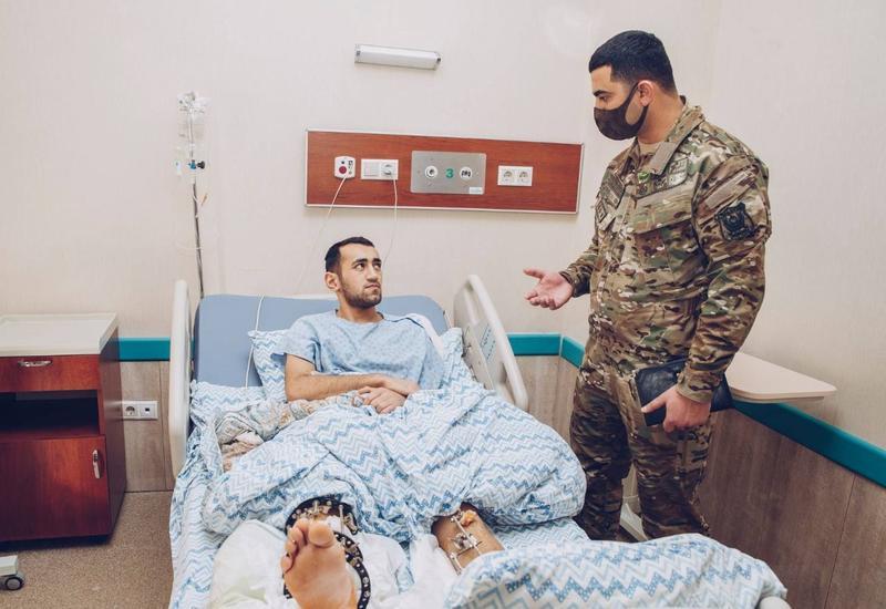 """При поддержке Фонда """"YAŞAT"""" успешно прооперированы участники Отечественной войны, получившие тяжелые ранения"""