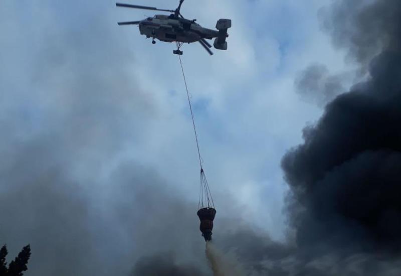 К тушению пожара в Астаре привлечен самолет