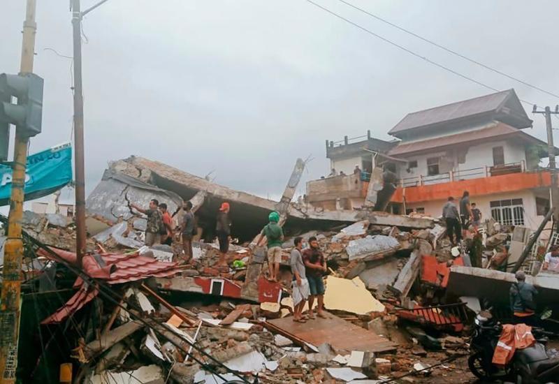Число жертв последствий серии землетрясений в Индонезии выросло до 78