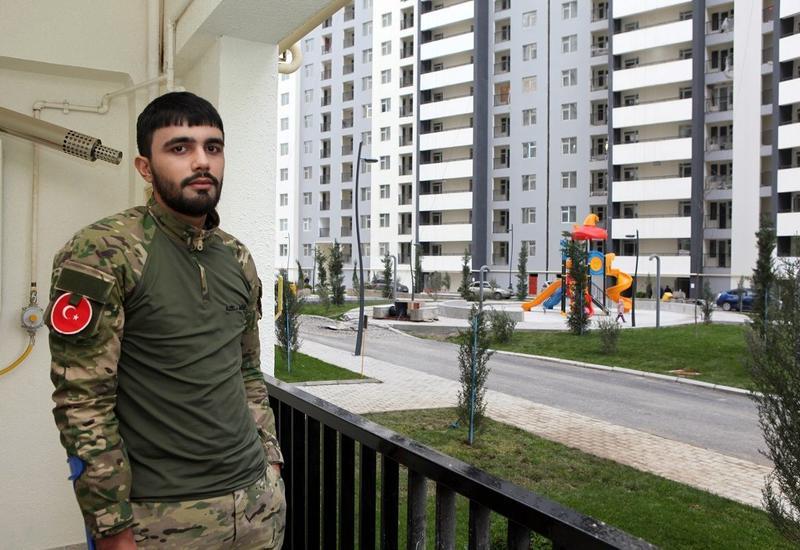 Семья еще одного участника Отечественной войны получила квартиру в Баку