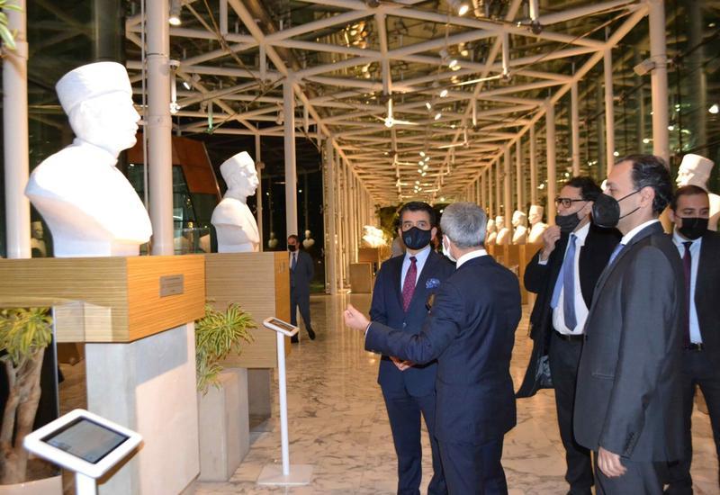 Делегация ИСЕСКО посетила Международный центр мугама
