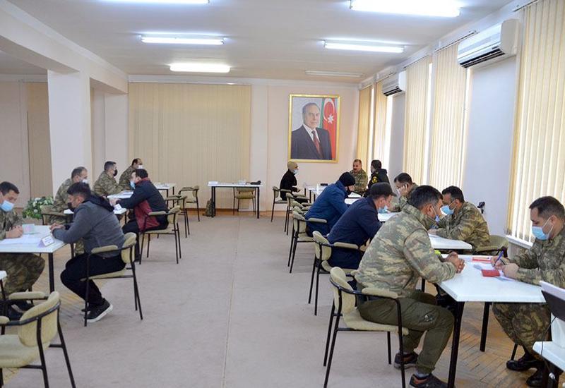 Комиссия минобороны Азербайджана приняла более 1950 граждан