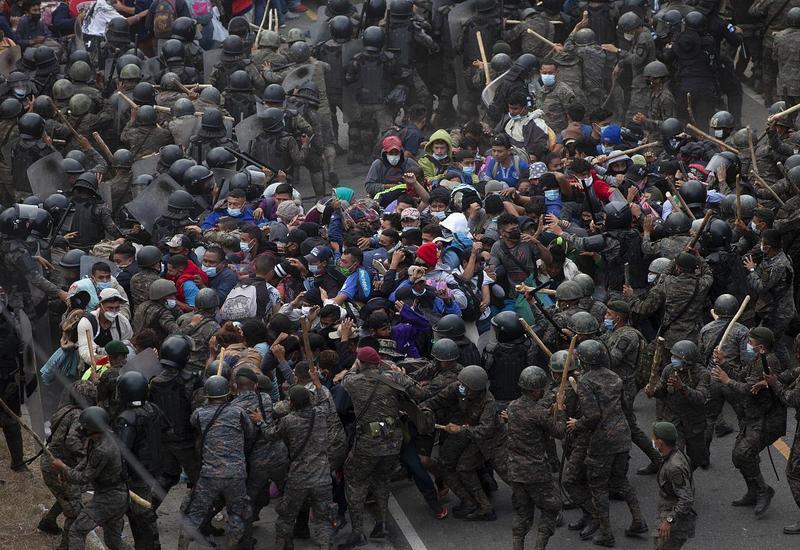 Cтолкновения на границе США