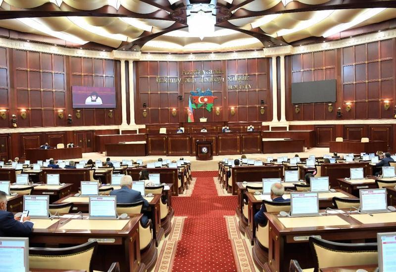 Parlamentin elm və təhsil komitəsinin yaz sessiyasında ilk iclası keçirilib
