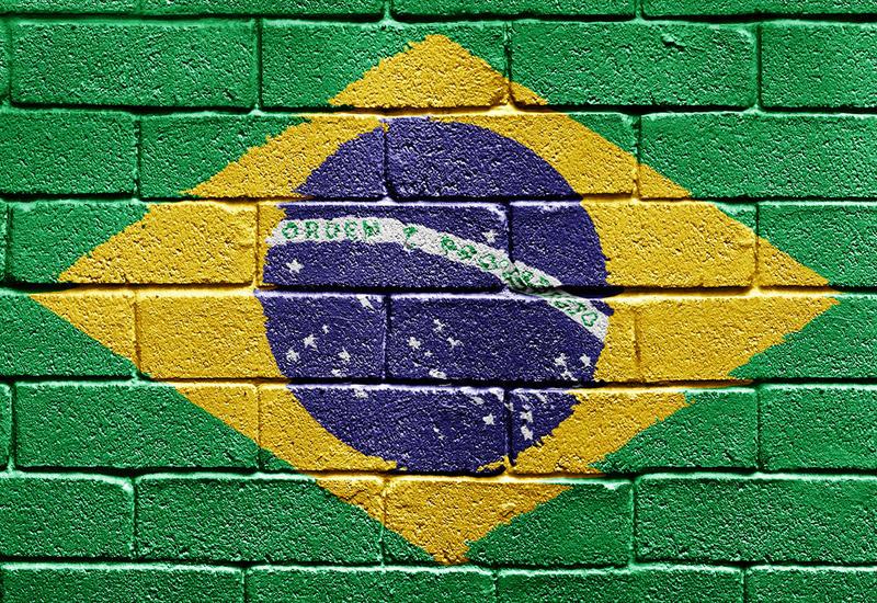 Бразилия одобрила использование двух вакцин против COVID-19