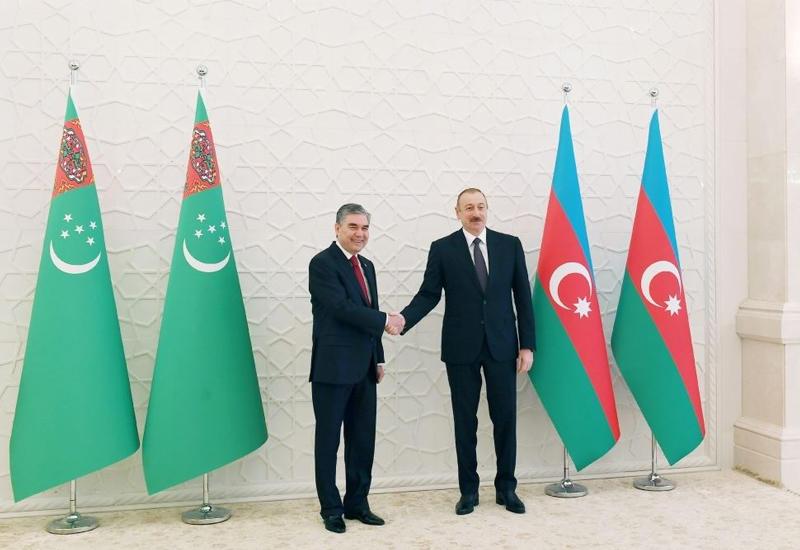 Президент Ильхам Алиев превращает Азербайджан в энергетический мост между Западом и Востоком