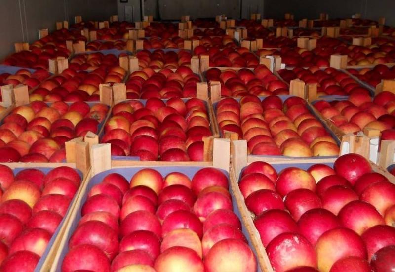 Россия разрешила ввоз томатов и яблок еще 13 азербайджанских производителей