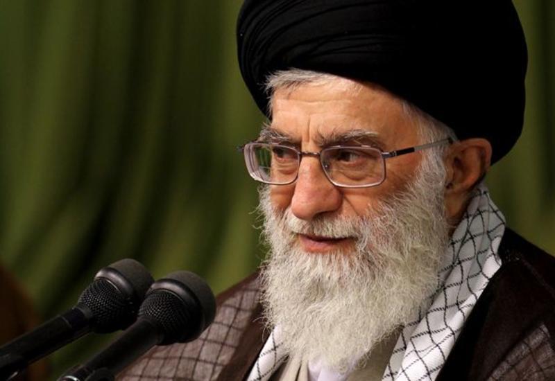 Твиттер заблокировал аккаунт Хаменеи