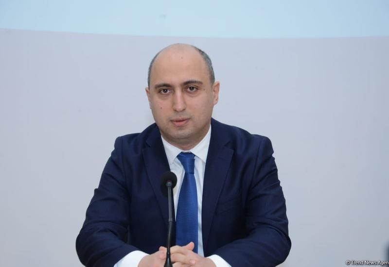 В Азербайджане возобновляется учеба в начальных классах