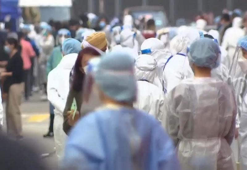 Тысячи жителей Гонконга изолировали дома из-за вспышки COVID-19