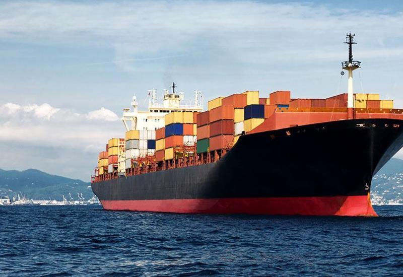 Контейнеровоз MOZART причалил к берегам Габона
