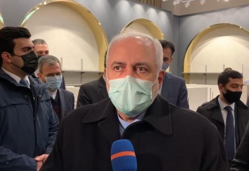 Глава МИД Ирана прибыл в Баку