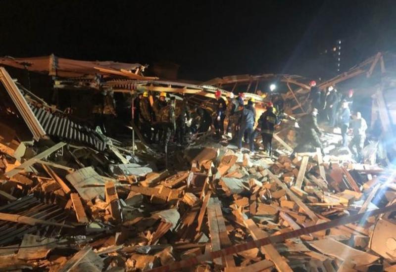 Из-под завалов взорвавшегося дома в Хырдалане извлечено тело погибшей женщины