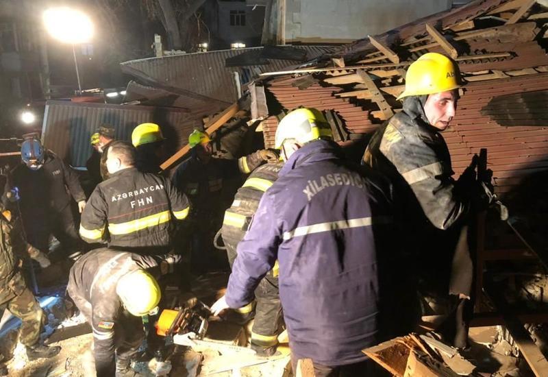 Из под завалов взорвавшегося дома в Хырдалане вытащили 6 человек