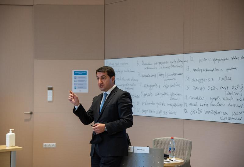 Агентство развития медиа Азербайджана начало проводить семинары