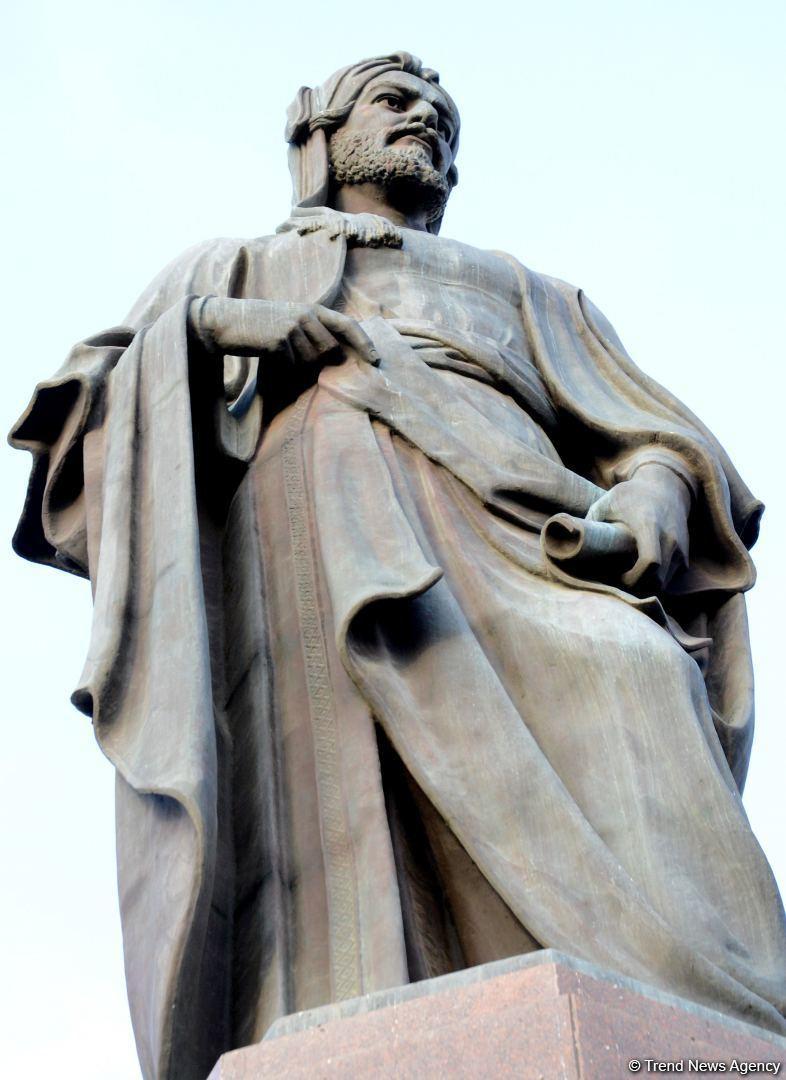 Bakıdakı Nizami Gəncəvi heykəlinin yaradılmasının tarixçəsi
