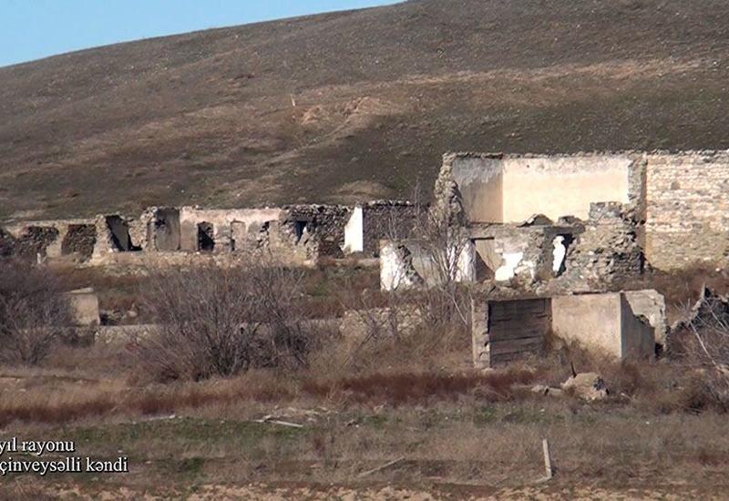 Минобороны показало еще одно разрушенное армянами село в Джебраиле