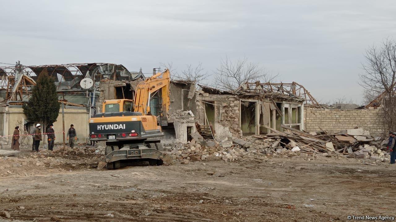 В Гяндже восстанавливаются разрушенные армянами дома